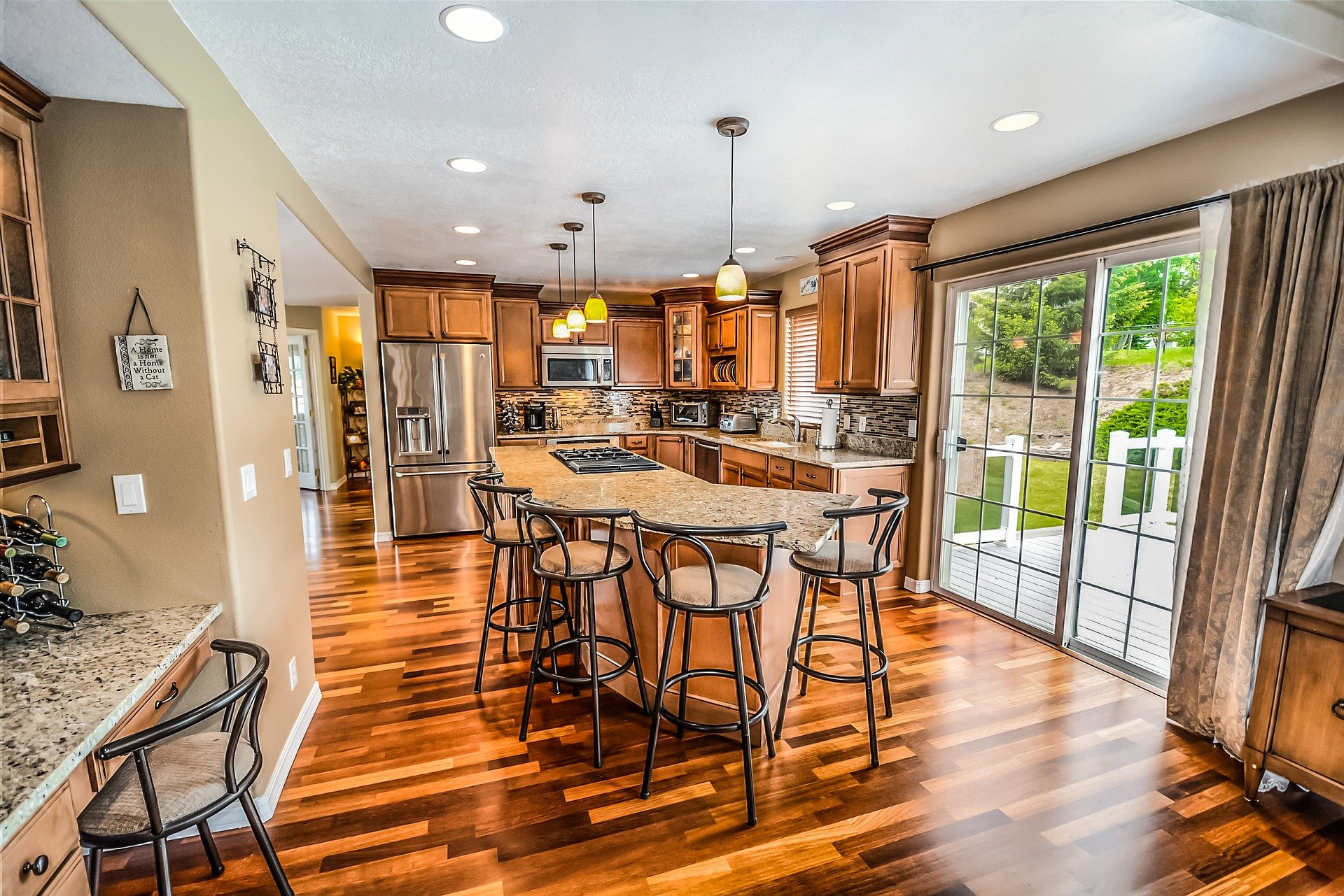 Kitchen with Laminate Wood (Click Together Floating)