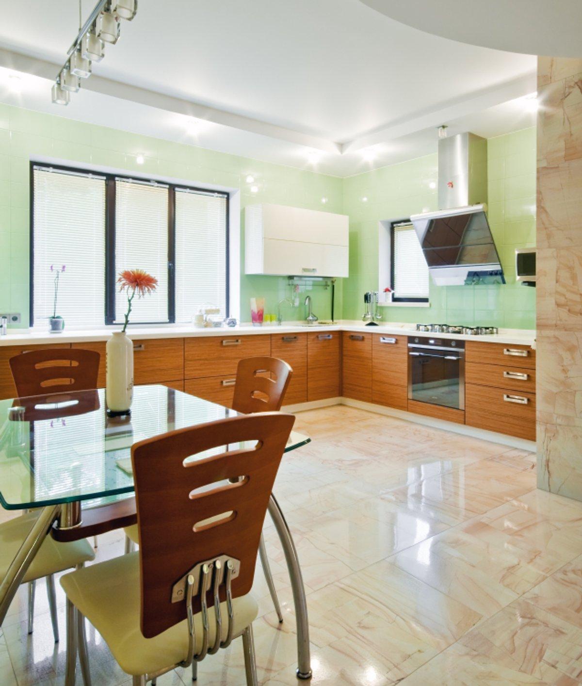 Kitchen Laminate or Tile Flooring
