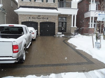 Front view of snow-melt-system-at-paver-driveway