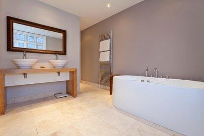 Modern-Bathroom-Lifestyle-Stock-Photo